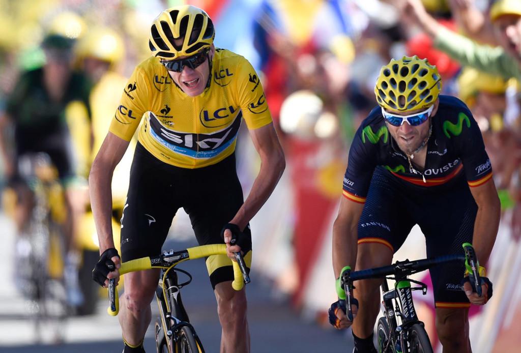 Chris Froome erreicht zusammen mit Alejandro Valverde das Ziel in Alpe d'Huez