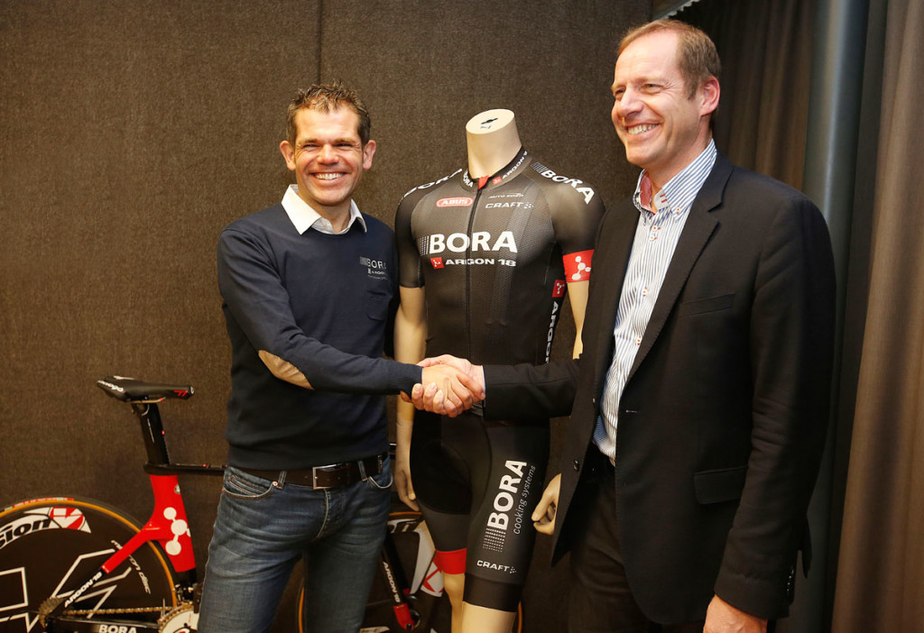 Ralph Denk mit Tour de France-Chef Christian Prudhomme (Foto: Roth&Roth roth-foto.de)