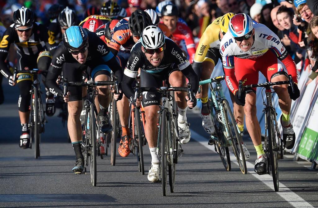Die Entscheidung im letzten Jahr: Mark Cavendish schlägt Alexadner Kristoff bei Kuurne-Brüssel-Kuurne 2015 (Foto: Roth&Roth roth-foto.de)