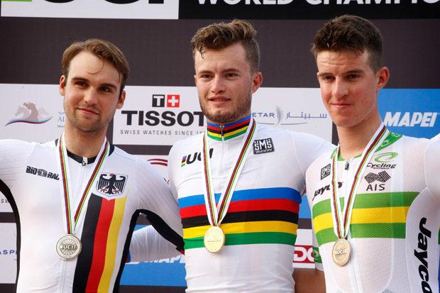 Maximilian SCHACHMANN (Berlin / Deutschland) und Mitte Weltmeister Marco MATHIS (Tettnang / Deutschland) - Rechts 3. Platz fuer Miles SCOTSON (Australien)